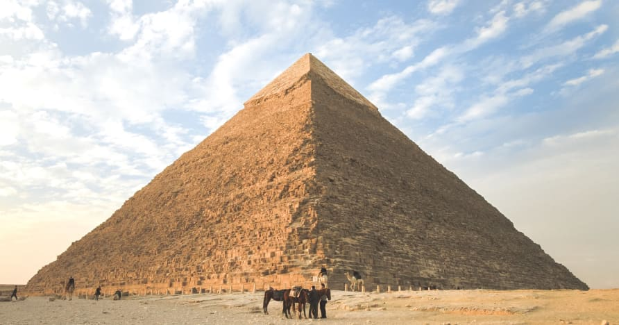 Top 6 egyptských tematických hracích automatov, ktoré sa majú hrať v roku 2021
