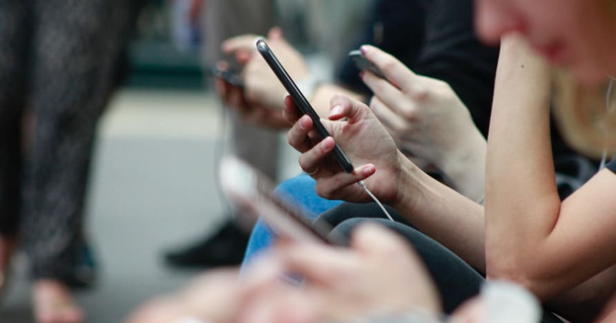 Spôsoby, ako zvýšiť výdrž batérie telefónu pri hraní hier