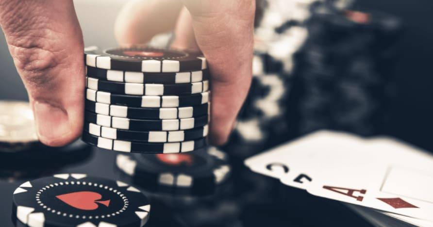 5 najväčších rozdielov medzi pokerom a blackjackom