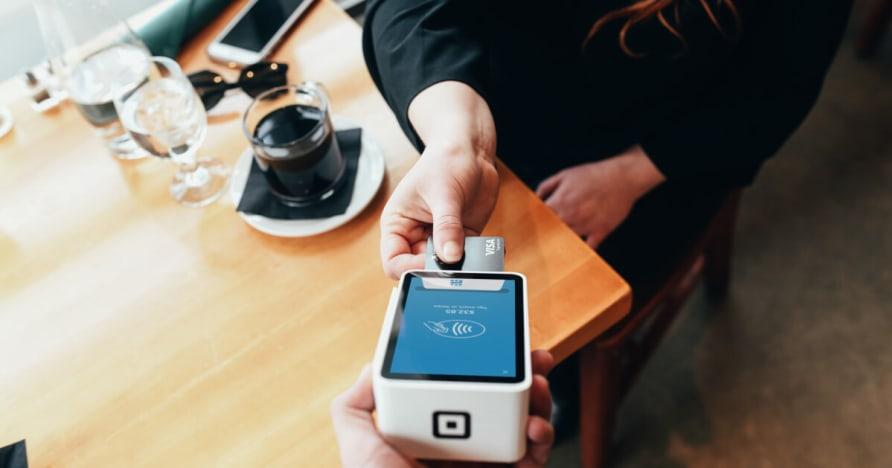 Mobilné hranie na trhu trendy a príjmov projekcie